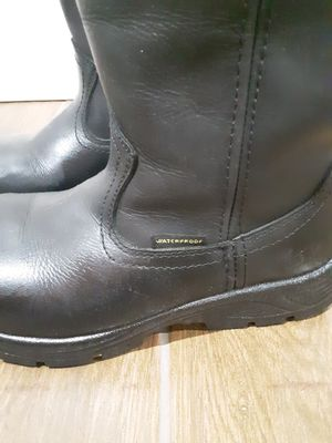 Photo Steel toe boots mens work size 8.5$45