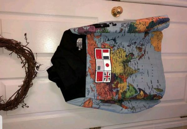 Supreme x north face world map jacket clothing shoes in new supreme x north face world map jacket clothing shoes in new york ny offerup gumiabroncs Gallery