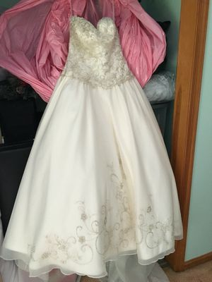 Wedding dress for Sale in Sykesville, MD