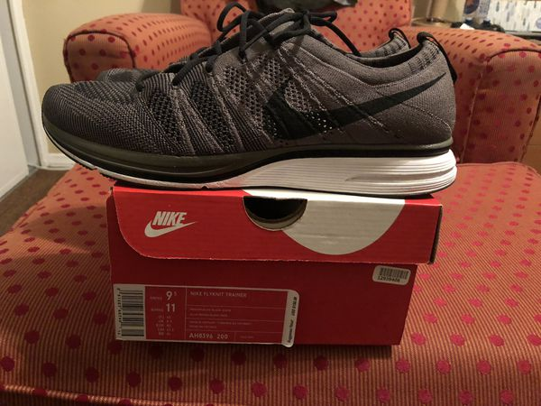 8aa9827df8ecf 2017 Nike flyknit trainer Olive size 9.5 for Sale in Lakewood
