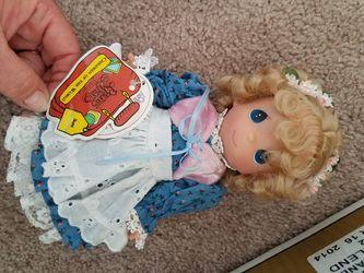 37 Children around the world dolls Thumbnail