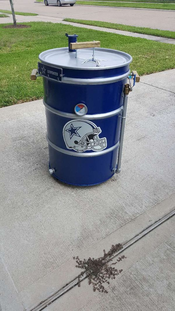 Offer Up Dallas Tx >> DALLAS COWBOYS UDS / SMOKER / GRILL / ASADOR for Sale in Houston, TX - OfferUp