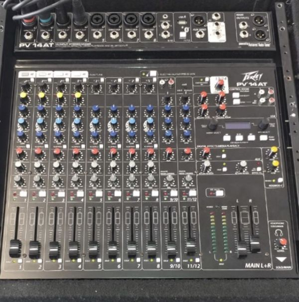Peavy 14 Channel mixer, with equalizer and effects for Sale in DAYT BCH SH,  FL - OfferUp