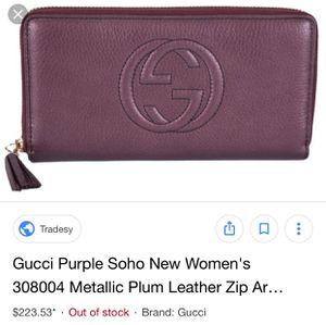 8755009e0f7e Woman s Gucci zip around wallet for Sale in Austin
