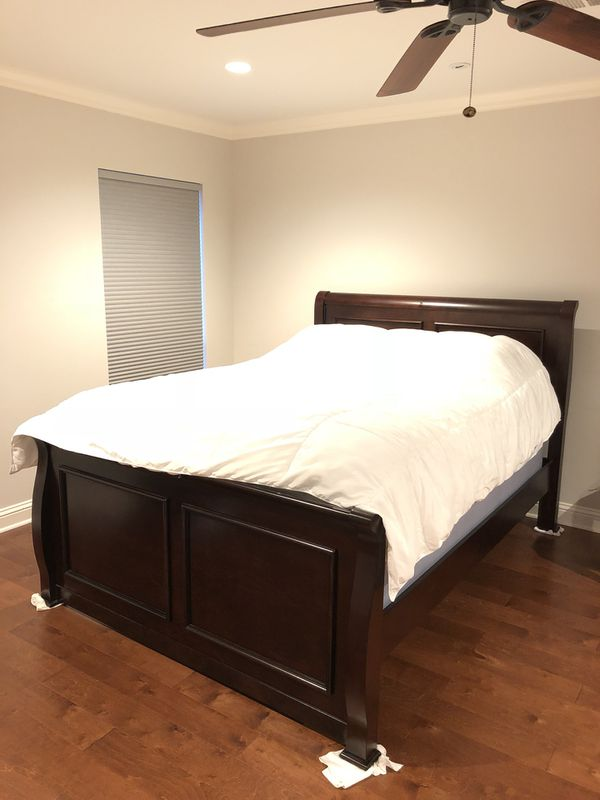 Solid Wood Queen Size Bed Frame for Sale in Dallas, TX - OfferUp