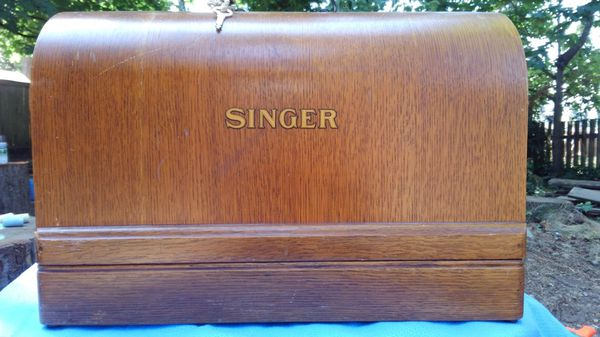 1948 model 128-23 Singer Sewing Machine In Bentwood Case for Sale in  Puyallup, WA - OfferUp