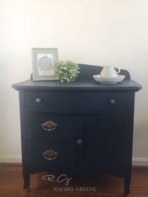 Antique Dresser for Sale in Sterling, VA
