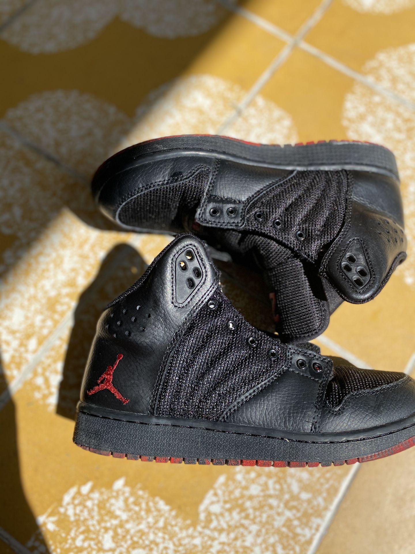 Jordan shoes boy size 4.5