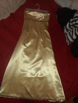 Gold evening gown Thumbnail
