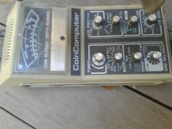 Vintage Metal Detector Teknetics 8000 Coin Computer (Batteries not  included) for Sale in Snellville, GA - OfferUp