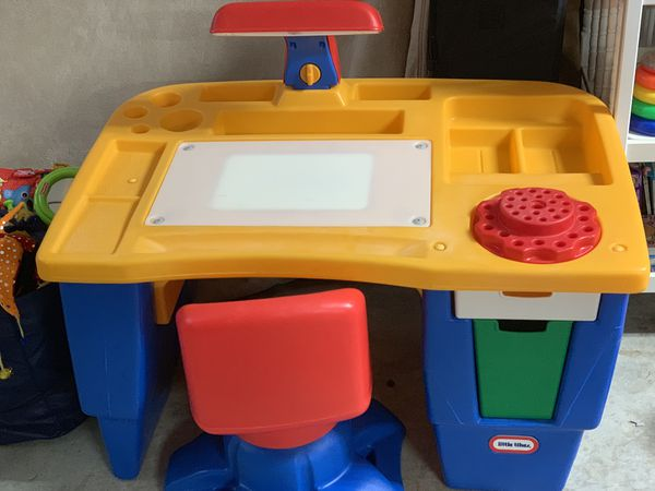 Little Tikes Art & Tracing Desk for Sale in Rockville, MD - OfferUp