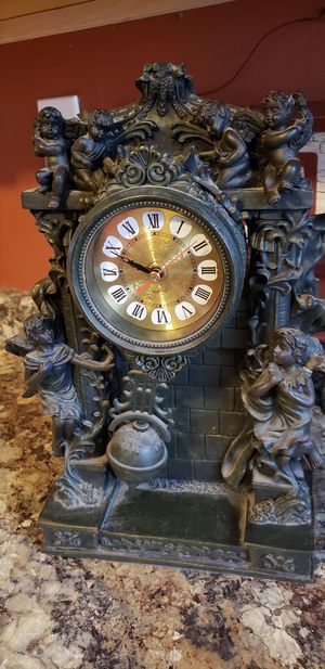 Antique clock for Sale in Irwin, PA