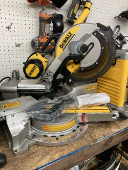 DEWALT 15 Amp Corded 12 in. Double Bevel Sliding Compound Miter Saw, Blade Wrench & Material Clamp Thumbnail