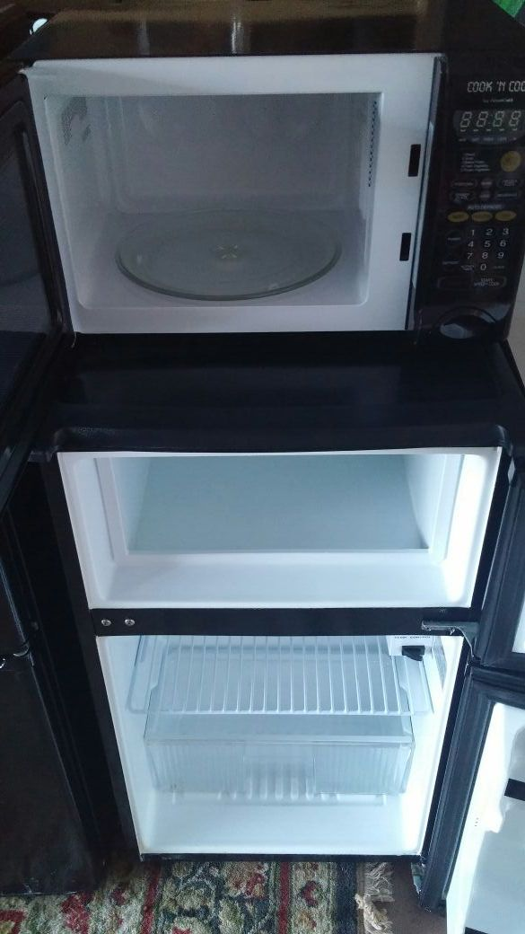 Absocold dorm apartment style fridge and freezer (Appliances) in ...