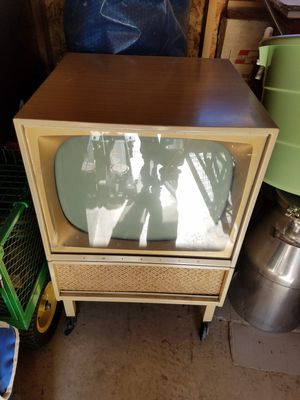Emerson metal console vintage TV for Sale in Broadway, VA