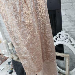 Wedding rose gold sequin table runner for Sale in Irving, TX