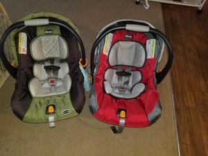 2 Chicco car seats for Sale in Victoria, VA