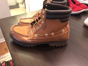 Timberland size 9 for Sale in Chicago, IL