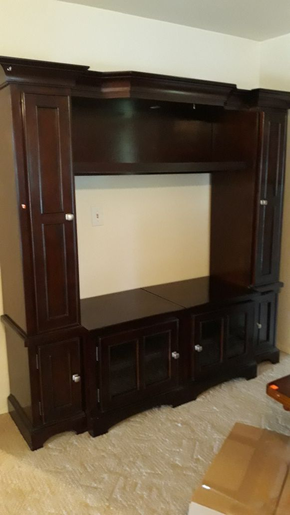 Entertainment Unit Wood For Sale In Tacoma Wa Offerup