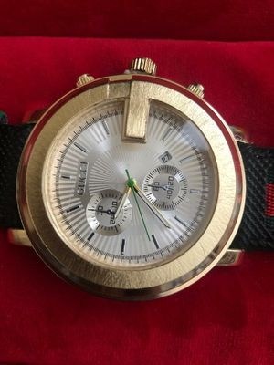 Photo Men's Gucci watch