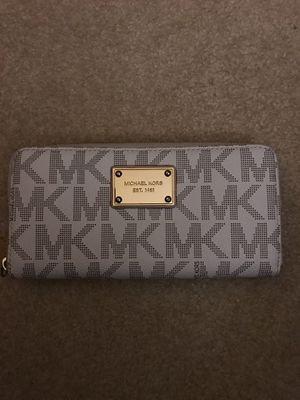 MICHAEL KORS WALLET for Sale in Jessup, MD