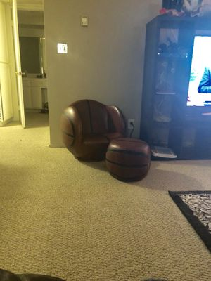 BASKETBALL KIDS LOUNGE CHAIR for Sale in Woodland Hills, CA
