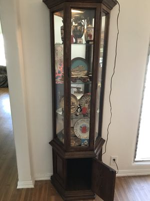 Lighted curio , vintage, real wood cabinet for Sale in Los Angeles, CA