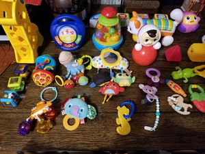 Children's toys from 0 to 12 months. + baby carousel in the crib for Sale in Brooklyn, NY