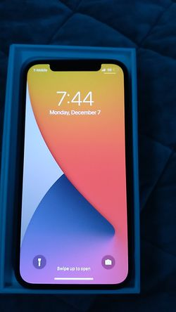 Brand new i phone 12 64 gb blue t mobil unlocked perfect condition 500 or obo Thumbnail