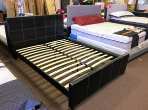 Photo Queen size platform bed frame