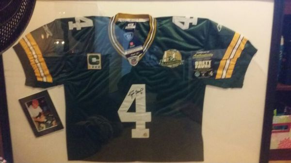 new arrival a85af 17621 Autographed Brett Favre Jersey for Sale in Lawton, OK - OfferUp