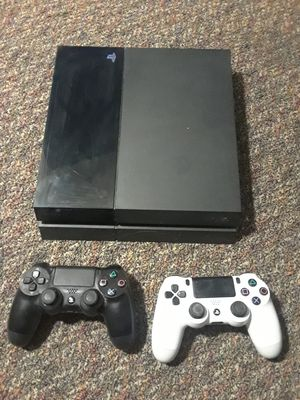 PS4 2 controller 4 games for Sale in Washington, DC