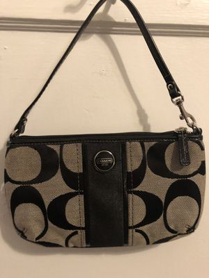 Coach wristlet - used once for Sale in Orlando, FL