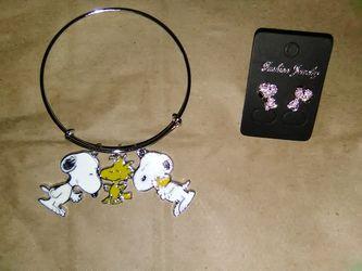 Snoopy Bracelet & earrings bundle set Thumbnail