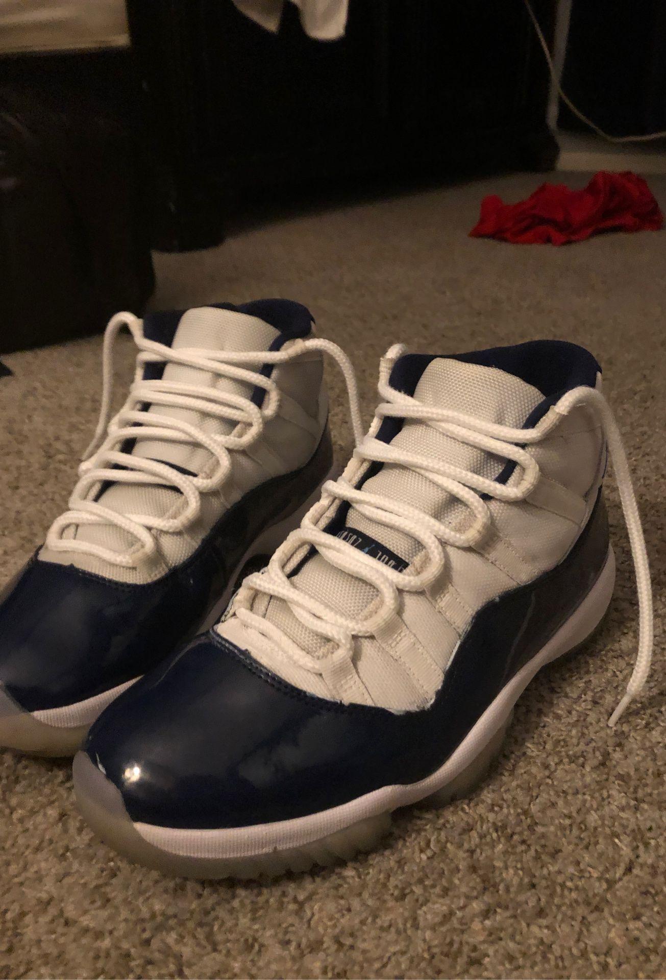 Air Jordan 11 Retro (Size 10)