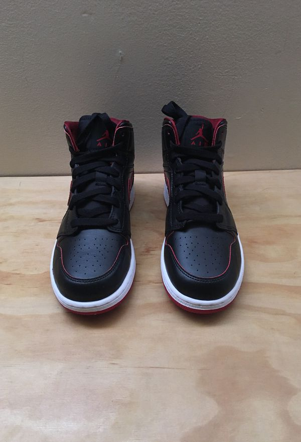 brand new 5298a 688d1 Kids Nike air jordan 1 mid bg black red white 554725-028 size 4.5y