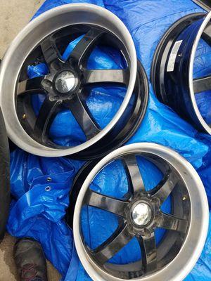 Photo 24 Boss Wheels for Chevrolet Silverado & Tahoe, GMC Sierra & Yukon, Nissan Titan, Toyota Tundra