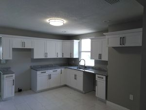 Kitchen and bathroom..cabinets and granite free stimate {contact info removed} for Sale in Tampa, FL