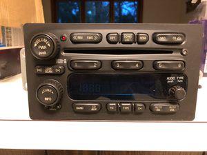 2005 GMC Yukon SLT Original CD player radio for Sale in Burr Ridge, IL