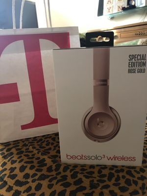 Beats solo earphones for Sale in Fort Washington, MD