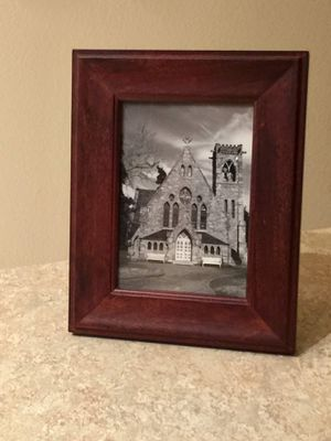 "5""x7"" Wood Picture Frame for Sale in Herndon, VA"