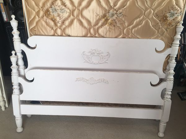 Vintage Shabby Chic Full Size Bed Frame And Mattress For Sale In Puyallup WA