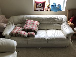 Leather sofa and loveseat for Sale in Baltimore, MD