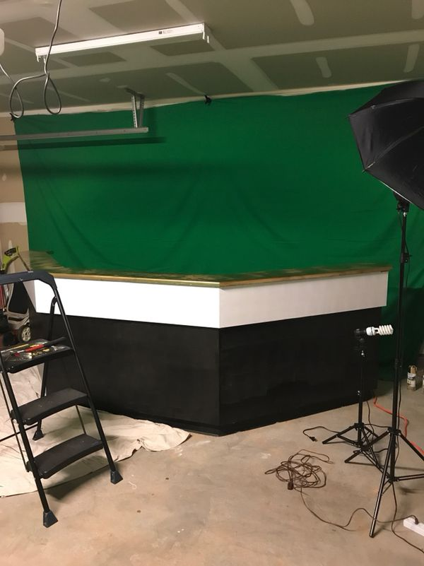 Broadcaster Desk ,Green Screen & Studio Lights for Sale in Greensboro, NC -  OfferUp