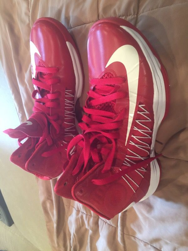 Women's basketball shoes 10.5