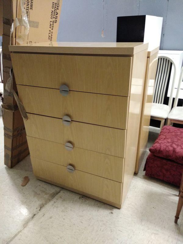 Large Brand New Lane 4 Pc Bedroom Furniture Set