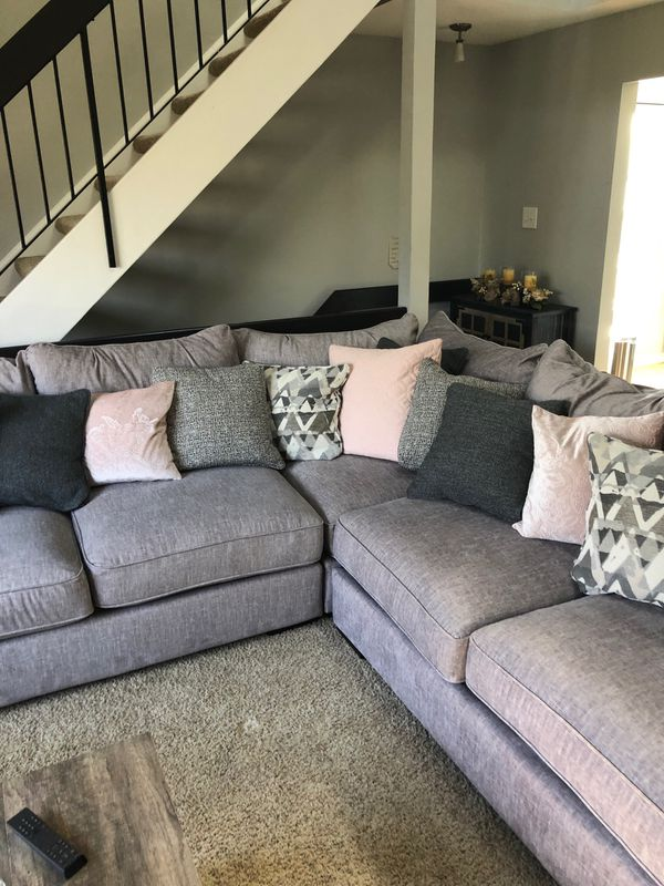 Grey sectional couch for Sale in Riverton, NJ - OfferUp
