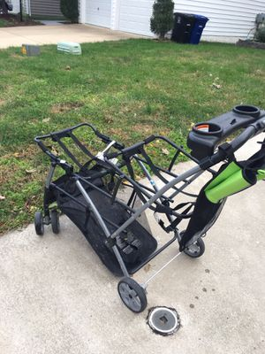 Snap and go double stroller for Sale in Lansdowne, VA