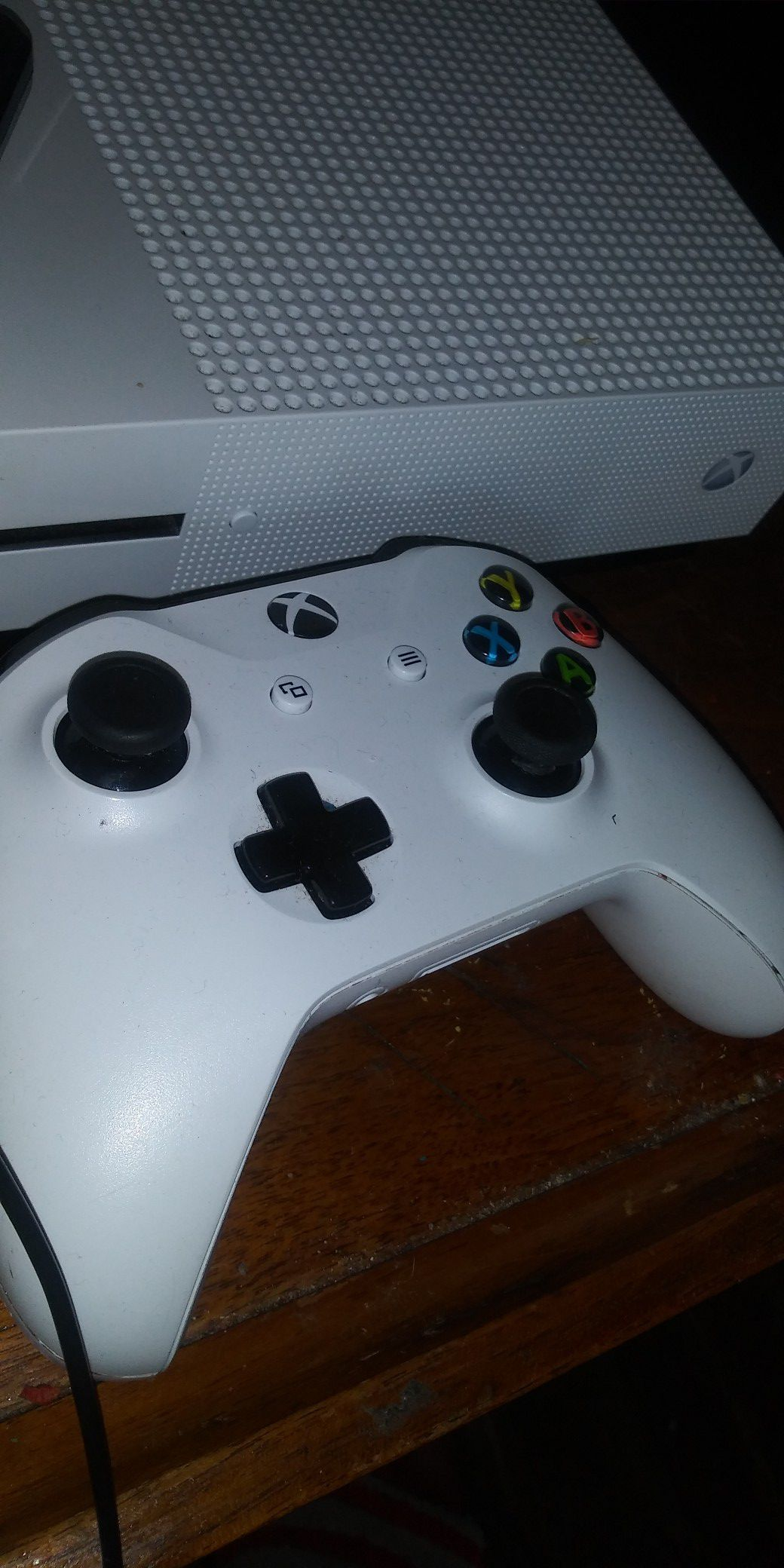 Xbox one s 3 games 2 controllers