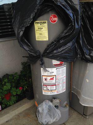 Water heater Rheem for Sale in Oakland, CA